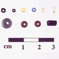 44RN0021_glass_beads_closeup.jpg